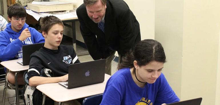 Mooresville students working on laptops