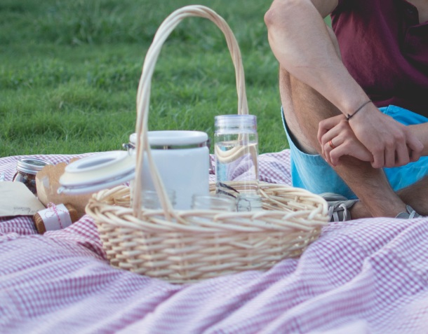 Classroom resources for English language teachers on picnics